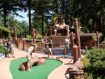 mini golf at giggle ridge